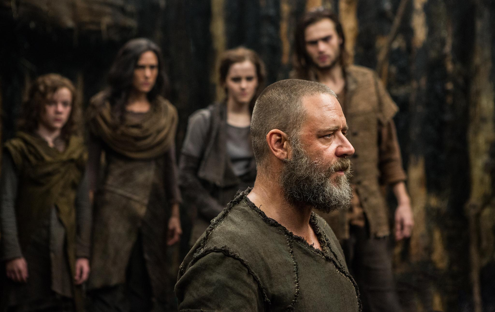 still-of-jennifer-connelly,-russell-crowe,-emma-watson,-leo-mchugh-and-douglas-booth-in-noah-(2014)-large-picture